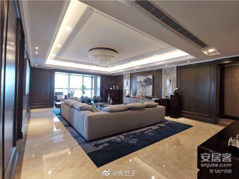 李佳琦是怎幺红的?李佳琦1.3个亿买上海顶楼复式豪宅