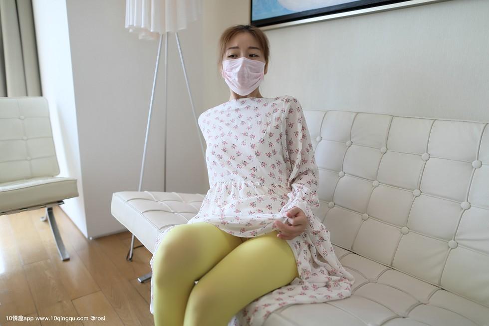 口罩系列NO粉色口罩小美女花色睡衣配无内黄丝裤袜诱惑无圣光写真86P