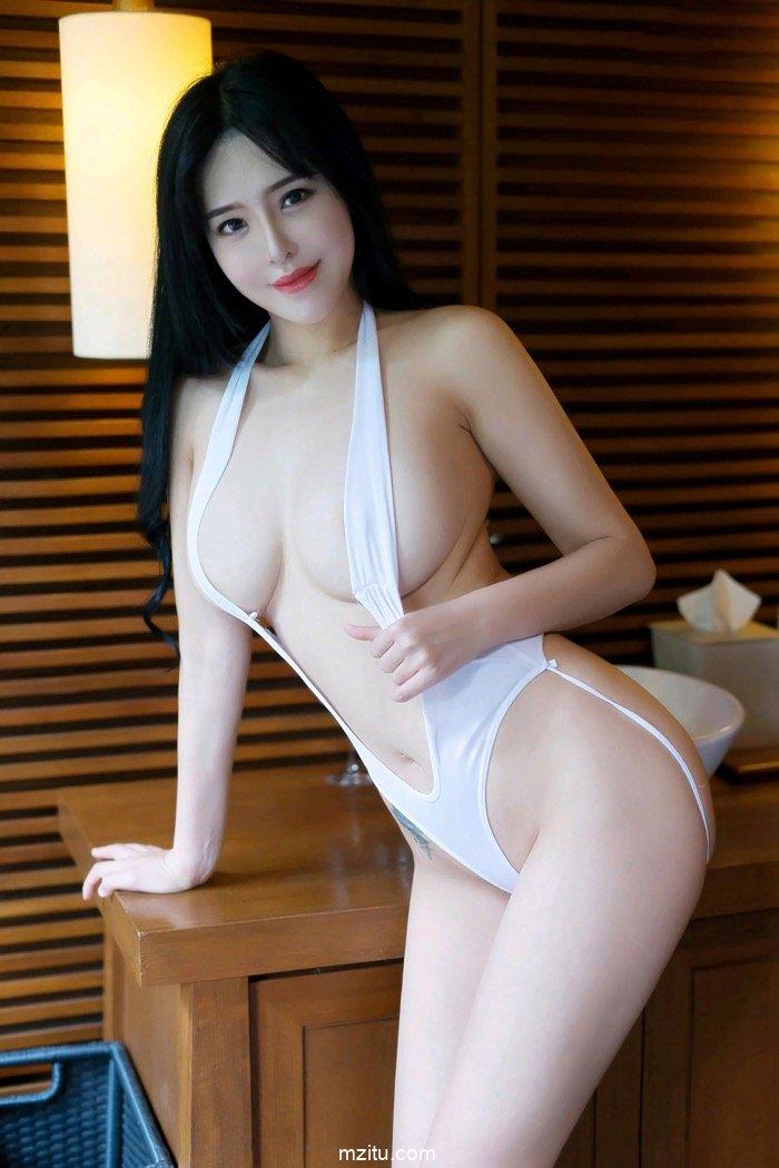 美娇娘刘钰儿丰满身材凹凸有致 逆天爆乳挑逗欲火