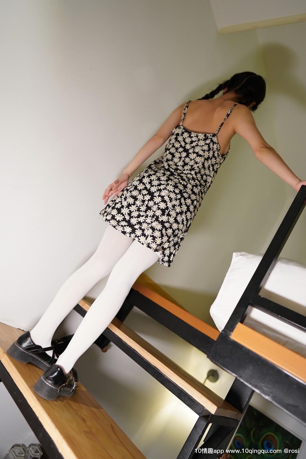 口罩系列NO花色吊带连身裙美女居家半脱露美胸蕾丝内裤诱惑无圣光写真39P wowoyule