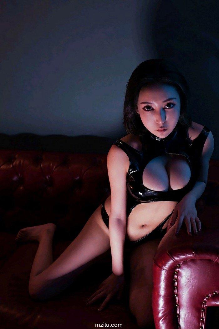 御姐范清纯风 大胸女王姖尹两种性感各有风骚 wowoyule