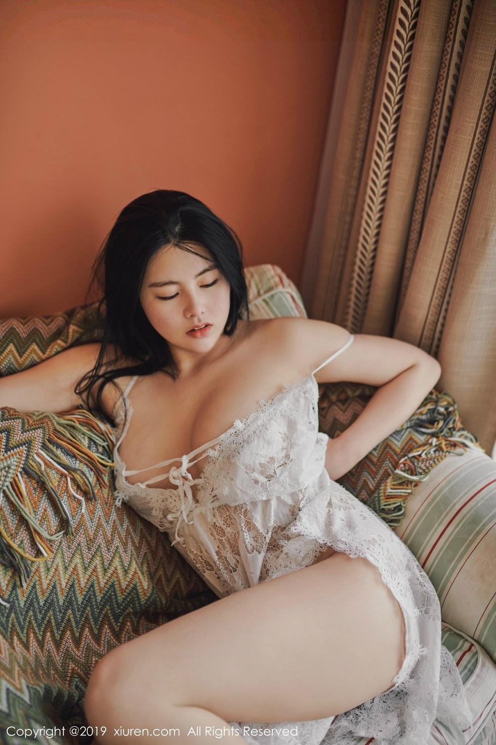 嫩模娜露Selena私房白色镂空情趣内衣+护士装完美诱惑无圣光写真41P