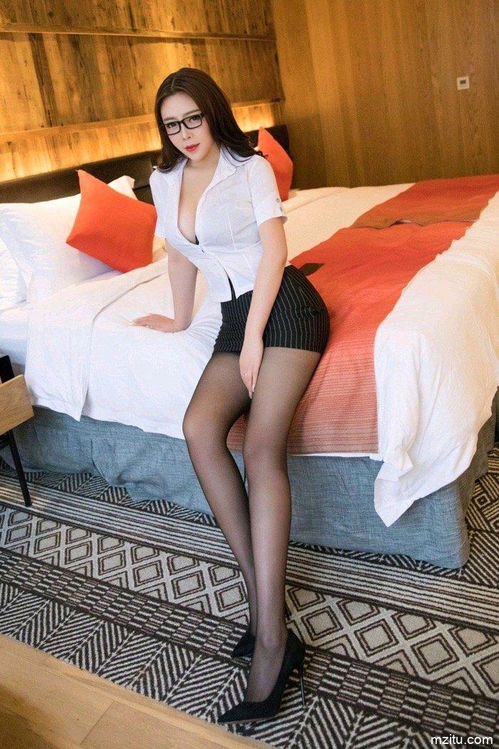 巨乳御姐Miki兔身姿丰韵风味十足 秘书装扮撩倒总裁