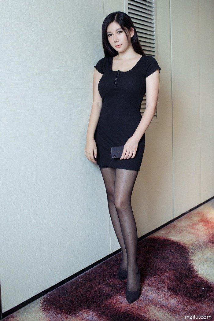 上海李雅开房私照露乳沟,真实豪乳比视频还诱人
