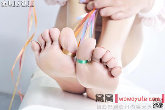 活春宫吻戏床戏 黄文轮流